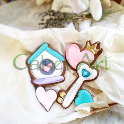Набор для пряников вырубка + трафарет: Сердце с короной 001