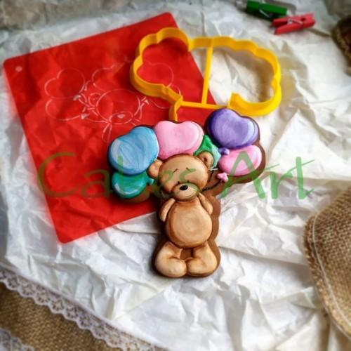 Набор для пряников вырубка + трафарет: Мишка с шариками 002